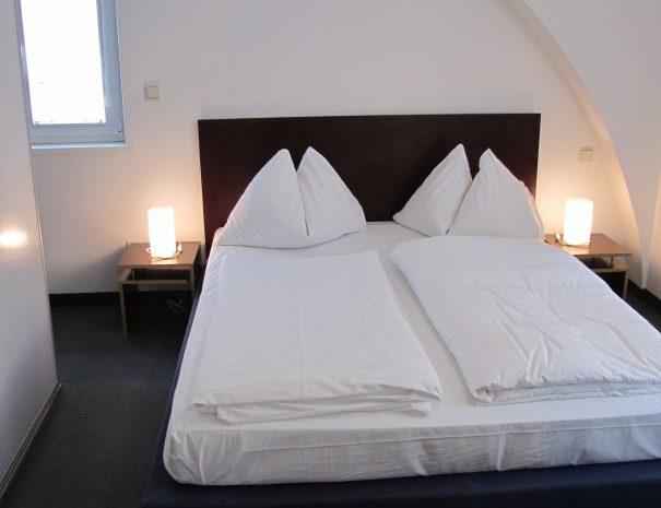 2 Bedroom Classic_101_4